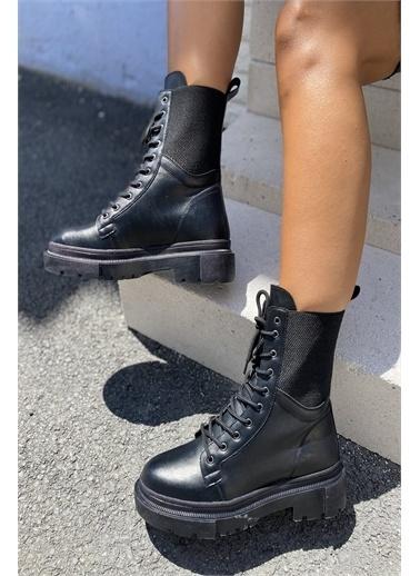 İnan Ayakkabı KADIN POSTAL BOT Siyah